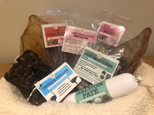 LIVforPETS Shop - JR Pet Products, 100% Natural Dog Treats - Large Treat Selection (Pure Pate, Fish Skin Cubes, Pigs Ears, Ostrich Kebab, Lamb Spaghetti, Training Treats & Pure Meat Sticks. LIV for PETS - Dog Walking and Pet Sitting in Slip End Harpenden Caddington and Markyate.